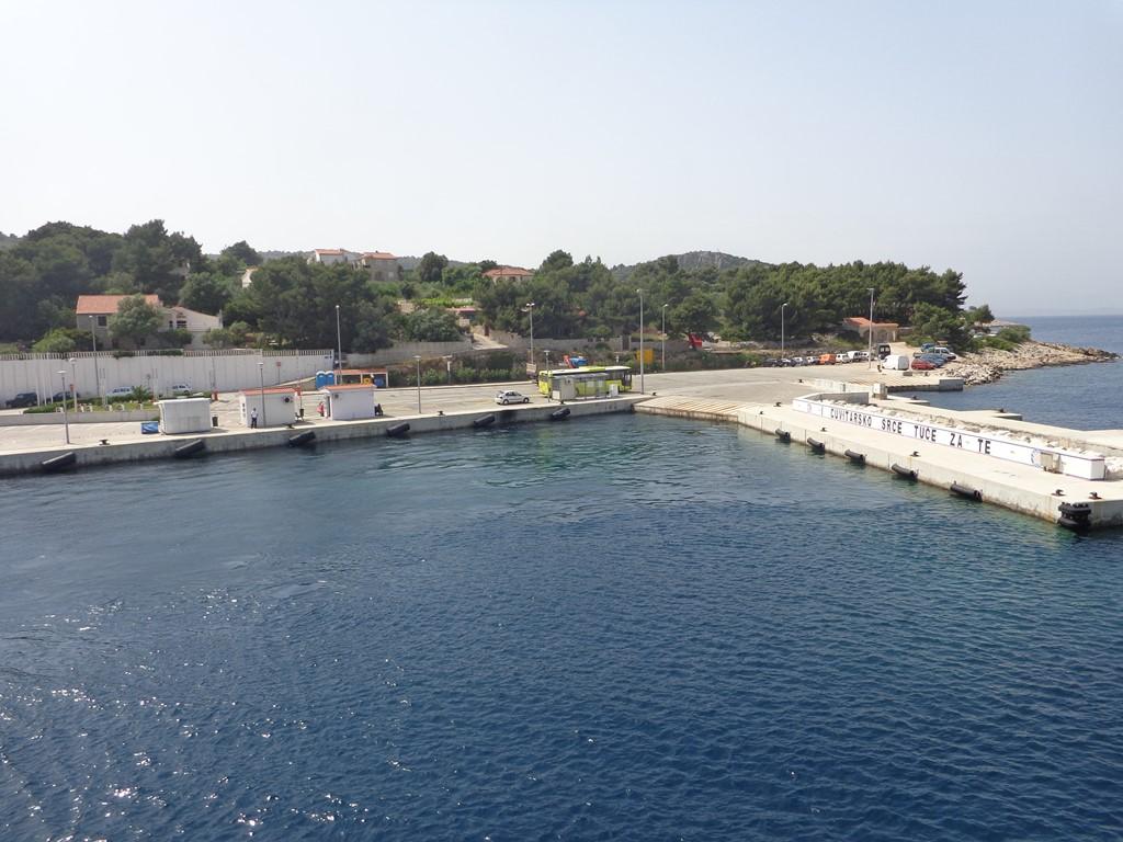 Rogac fery port Solta