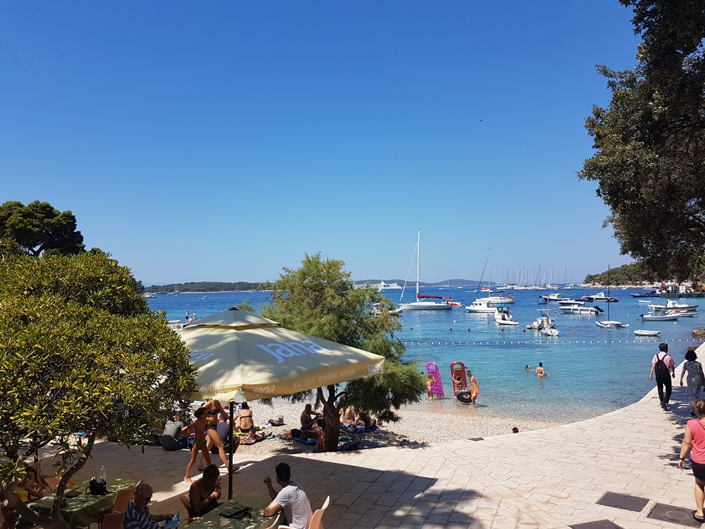 hvar-beaches