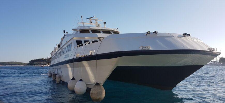 Catamaran arriving in Hvar